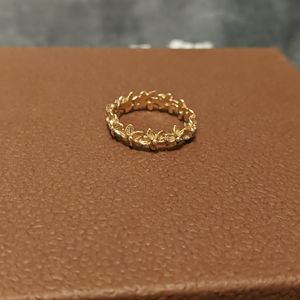 Na Hoku 14K gold plumeria band ring